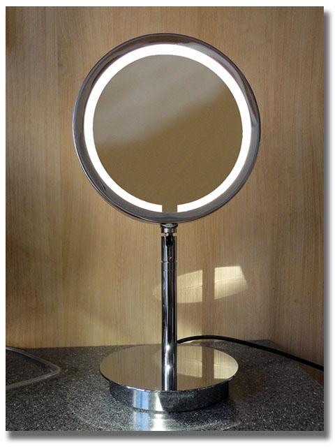 Kosmetikspiegel zum Stellen mit Vergrösserung